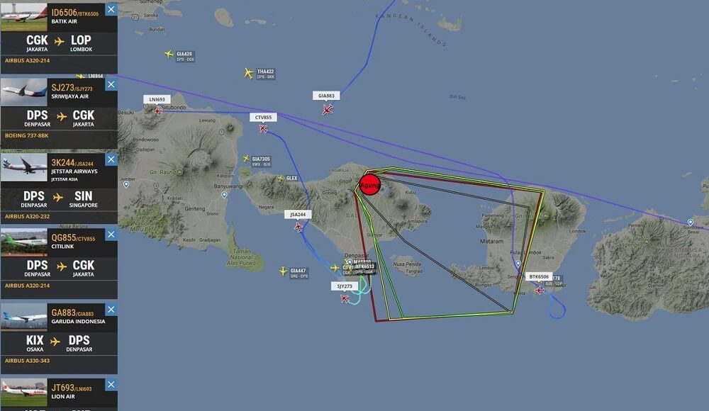 Examples of using the flight radar services: track all the world's airplanes online