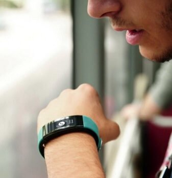 Smartband in travelling