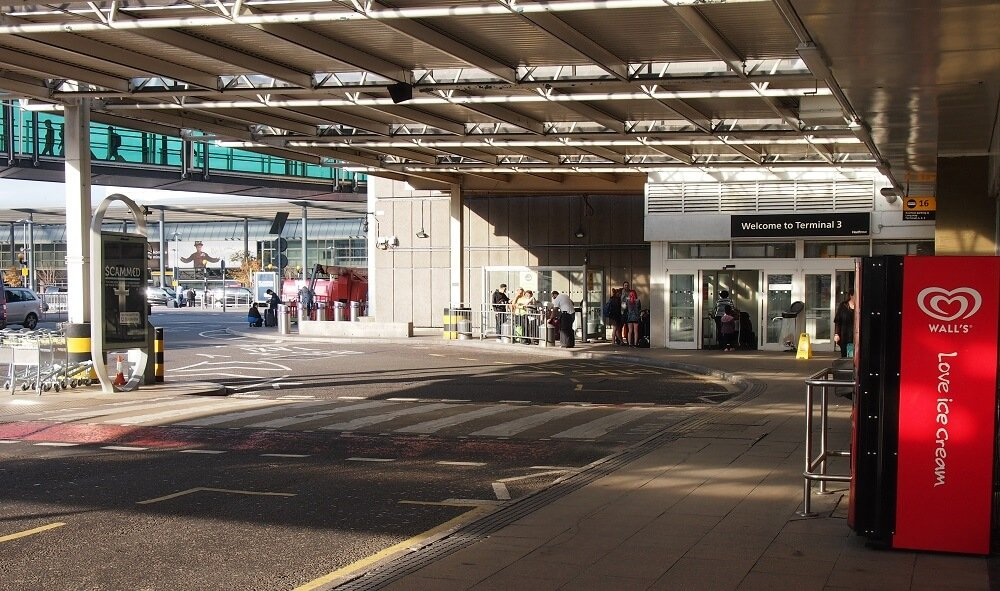 Gatwick South Terminal Shops >> Heathrow (LHR) Terminal 3 > Hotels, Postcode, Parking ...