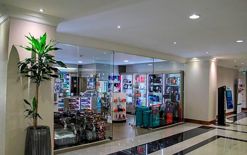 Renaissance London Heathrow gift shop