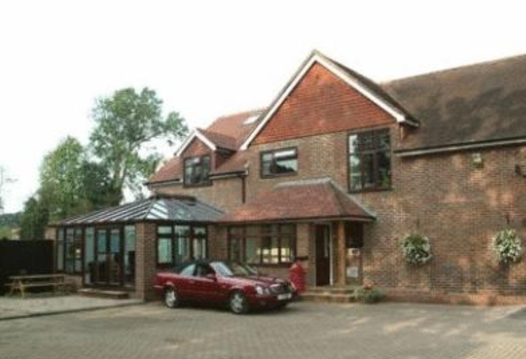 Airport Gatwick House Hotel