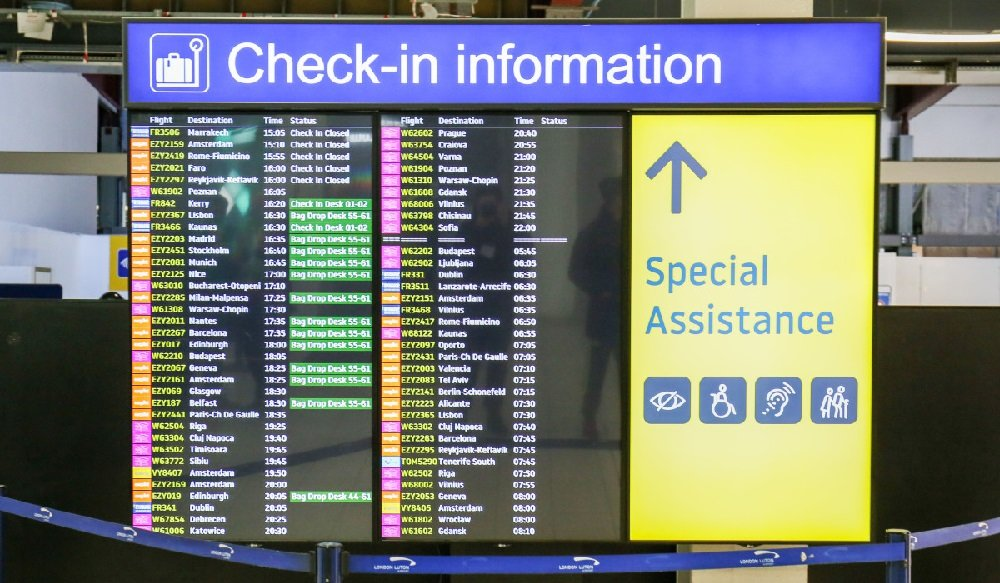 London Luton Airport Check-In
